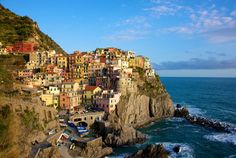 Se dê um tempo! Destinos que todo mochileiro (e aventureiro!) precisa conhecer: Cinque Terre, Itália.