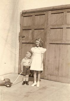 """My Tapley Tree...and its Branches: Wordless Wednesday: Robert Avery """"Bob"""" Plumlee and step-sister, Evelyn Elaine Tapley"""