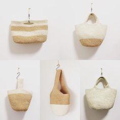 しろいバッグ #麻ひもバッグ#バッグ#手編み#かぎ針編み#白#ホワイト#White#春#爽やか#暮らし#買い物#シンプル#ボーダー#ツートーン#バケツバッグ#トートバッグ#ショルダーバッグ