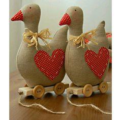 Něžné pohlazení: A zase ty husičky :-) - tilda geese sew sewing Sewing Toys, Sewing Crafts, Sewing Projects, Craft Projects, Diy And Crafts, Crafts For Kids, Arts And Crafts, Fabric Toys, Fabric Crafts
