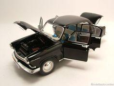 GAZ 21R Wolga / Volga 1966 schwarz, Modellauto 1:18 / IST Models