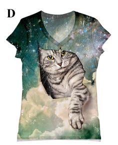 gato mujer en top estampado de galaxia camiseta por hellominky, $28,95