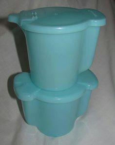 I think everyone had this creamer and sugar bowl at one point.