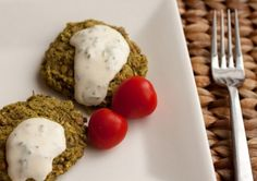 Green and Clean Pesto Lentil Patties Healthful Pursuit Ketogenic Recipes, Vegan Recipes, Ketogenic Diet, Lentil Patty, Lentils And Quinoa, Green Pesto, Clean Eating, Healthy Eating, Fava Beans