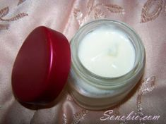 Light Cold Cream - need to add a preservative though. Cold Cream, Handmade Cosmetics, Make Beauty, Diy Makeup, Health And Wellness, Glass Of Milk, The Cure, Skin Care, Homemade