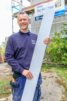 Effektivt nybygg med Drygolin-kledning. Tømrer Knut-Øivind Bruun anbefaler fabrikkmalt Drygolin-kledning. Fargen på panelbordet er Jotun 0392 Lys Grå.