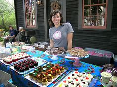 How to Display Cupcakes at Farmers Market | Lucinda's owner and baker, Courtney Gorman, at the Farmer's Market ...
