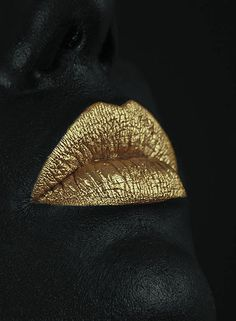 Golden kiss lips Black and gold