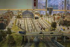 Westbahnhof (Nyugati) in Budapest. Loki, Budapest, Ferris Wheel, Fair Grounds, Hungary, Model Train, Curls