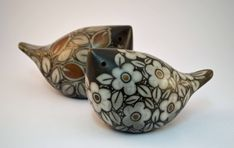 Featuring all designer/makers working with ceramics Raku Pottery, Pottery Sculpture, Bird Sculpture, Ceramic Sculptures, Animal Sculptures, Pottery Painting, Ceramic Painting, Ceramic Art, Painting Art