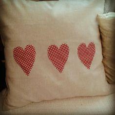 Pillow with hearts Hearts, Throw Pillows, Crafty, Sewing, Creative, Inspiration, Biblical Inspiration, Toss Pillows, Dressmaking