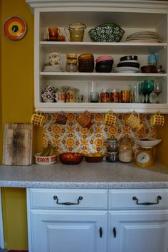 Homewrecker: Ta-Tah the finished kitchen! - List of the best home decor Home Decor Kitchen, 70s Kitchen, Kitchen Decor, Inexpensive Home Decor, Home Decor, Kitchen, 70s Home Decor, Retro Kitchen, Shabby Chic Kitchen