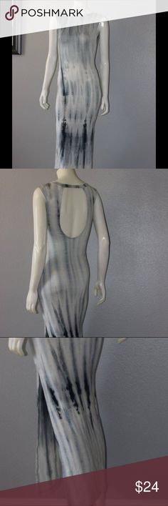 ✨🎉Host Pick🎉✨💕Summer fun tie dye maxi dress 😘 Fun tie dye sleeveless maxi dress for summer! This dress has a high neck line and a slit from the knee down on the right side. Color: soft gray/light blue with darkish blue gray tie dye detail. Dresses Maxi