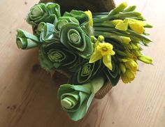 Here are some great ideas for celebrating St. David's Day on March 1 - including this display of daffodils and leeks. Welsh Symbols, Welsh Names, National Flower Of Wales, Daffodil Bouquet, Welsh Language, Saint David's Day, Wales Uk, Cymru, National Holidays