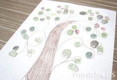 Benötigt werden ✓ Malvorlage Baum (hier kostenlos als Download) ✓ Stifte ✓ Stempelkissen oder Fingermalfarben  Zunächst die kostenlose Malvorlage in beliebiger Menge ausdrucken. Nun...