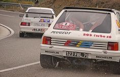 ¿Con cual os quedáis? Which one do you get?  #dadriver  #Peugeot #205T16  #Ford #Sierra #Cosworth  @peugeotes  @fordspain