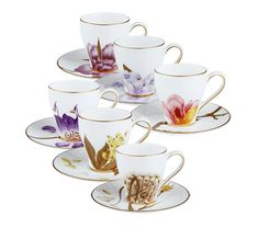 Guests deserve the best,take a look at these delicate cups+saucers!*sigh*