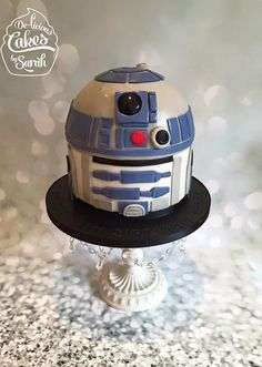 One more from the weekend! This R2D2 ' head' is... - Delicious Cakes by Sarah
