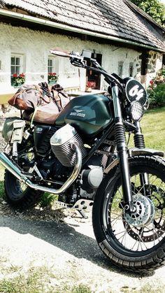 Moto Guzzi V7 Stone, Brat Cafe, Triumph Scrambler, Cafe Racer Bikes, Moto Style, Royal Enfield, Custom Bikes, Cool Bikes, Ducati