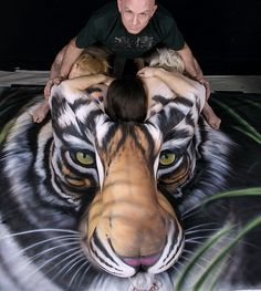 Craig Tracy's most famous body painting