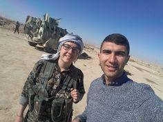 Kurdish journalist selfie with British SDF volunteer participating in the Raqqa operation.
