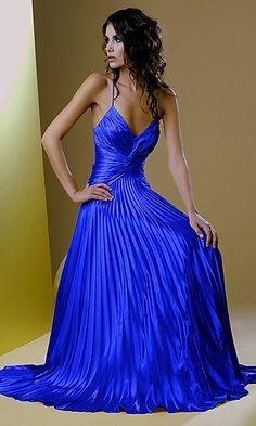 Blue what a beautiful blue http://findanswerhere.com/womensfashion