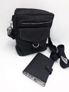 Pochette Jive et portefeuille Compère en toile noire cousus par Kelly - Patrons Sacôtin