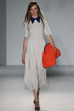 Roksanda Spring 2013 Ready-to-Wear Collection Photos - Vogue Spring Fashion, Fashion Show, Fashion Design, Frock And Frill, Fashion Beauty, Womens Fashion, Roksanda, Get Dressed, Lady