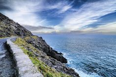 Spend 7 days in Ireland with Expat Explore! Explore the Emerald Isle on our Irish Coach Tours and discover one of the most beautiful countries on earth. Connemara, Best Of Ireland, West Coast Of Ireland, Ireland Vacation, Ireland Travel, Cork Ireland, Coach Tours, Wild Atlantic Way, Tour Tickets