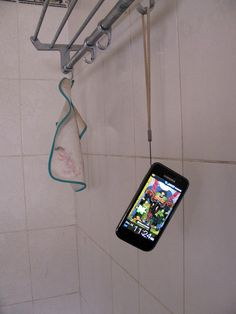 Samsung Galaxy S in the Loo