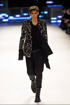 Fall 2007 Dior Homme (Hedi Slimane) Look 1 http://www.style.com/slideshows/slideshows/trends/mens/2015/1-january/best-mens-fashion-runway-looks/slides/7