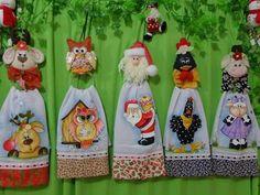 Pano Towel Crafts, Bee Crafts, Dish Towels, Hand Towels, Diy Christmas Gifts, Christmas Ornaments, Towel Dress, Lulu Love, Crochet Towel