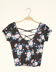 This is what I wore for my first date! Floral black crop top from jennyfer ragusa sicily!