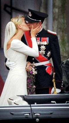 Prince Haakon Magnus of Norway and Mette-Marit Tjessem Hoiby (2001)