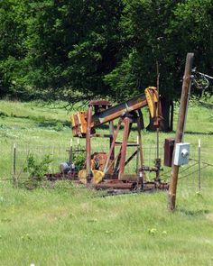 Old cable tool rig, Carrizozo, NM | Mineral Rights and Royalty Owners | Oil, gas, Minerals, Rigs