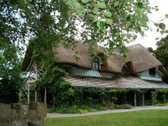 Swiss Cottage / Kilcommon, Ireland