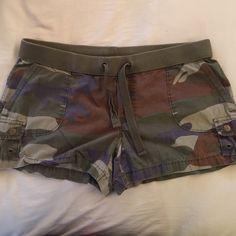 "Camo Shorts Camo cargo shorts. Gently worn. Super soft 100% cotton. Inseam is 3.5"". Soft ribbed waistband. Functional drawstring. London Jean Shorts Cargos"