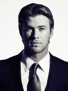 Chris Hemsworth, por Andrew McPherson, 2011