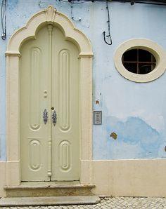 Olhão, Portugal, by John LaMotte Knobs And Knockers, Door Knobs, Door Handles, Porches, Cool Doors, Unique Doors, Stairs Window, Doorway, Algarve
