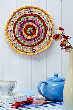 Crocheted clock pattern by Helen Ardley from Let's Get Crafting Knitting & Crochet issue 48 Crochet Home, Easy Crochet, Free Crochet, Knit Crochet, Diy Clock, Clock Decor, Wall Decor, Crochet Stitches, Crochet Patterns