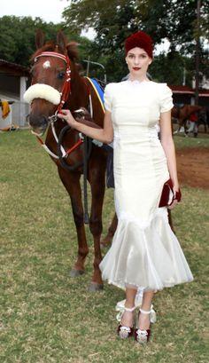 Race Fashion. #VDJfashion #racefashion Spring Carnival, Melbourne Cup, Races Fashion, Trendy Fashion, Victorian, Racing, Dresses, Running, Vestidos