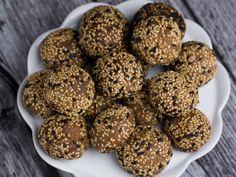 Biscuiti_cu_susan Tahini, Cereal, Cookies, Breakfast, Ethnic Recipes, Desserts, Tv, Food, Red Peppers