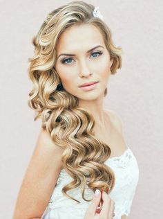 Curls And Waves Hairstyles For Christmas Party