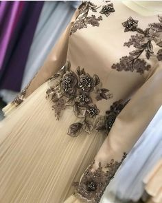 Saaadddiii Hijab Dress Party, Hijab Style Dress, Party Gowns, Pink Evening Dress, Evening Dresses, Prom Dresses, Formal Dresses, Abaya Fashion, Muslim Fashion