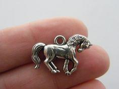 BULK 20 Horse charms antique silver tone A8