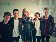 The Vamps Finally Meet Taylor Swift at the BBC Radio 1 Teen Awards Meet The Vamps, Teen Awards, Brad Simpson, Swift Photo, Red Tour, Taylor Alison Swift, Red Taylor, Games For Girls, One Pic