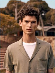 Mango Man views summer with a cinematic scope. The Spanish label unveils a new style edit. It features none other than Arthur Gosse. The French model is picture-perfect in a series of chic Mango looks. The season is easily defined with linen fashions and a color palette of warm neutrals. Hero pieces range from Cuban... [Read More]
