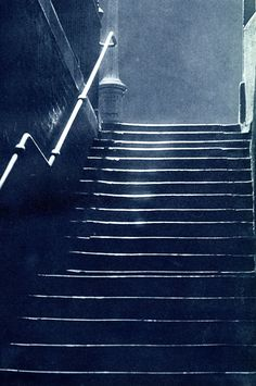 "Escuridão na Londres dos anos 1930 / London in the In most of the city the dark rules. Down long staircases you go. From ""London Night"" – John Morrison and Harold Burkedin, Captions by Dave Walker. 1920s Aesthetic, Night Aesthetic, City Aesthetic, Night Photography, Street Photography, Nocturne, London History, British History, Asian History"
