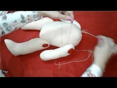 Como coser muñeca de trapo (paso a paso para principiantes cuerpo de la muñeca Chavelita) - YouTube Fabric Doll Pattern, Fabric Dolls, Sewing Crafts, Sewing Projects, Doll Face Paint, Dolly Doll, Doll Videos, Doll Patterns Free, Diy Crafts For Gifts