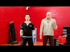 Come sviluppare i bicipiti: esercizi per le braccia da fare a casa senza andare in palestra
